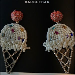 BaubleBar NWT vanilla ice cream earrings